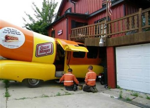 AP Photo of Wienermobile crash